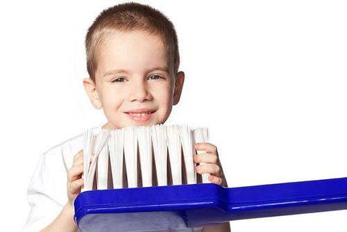 Скрежет зубами у детей во сне: причина и следствие