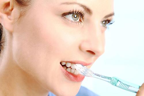 5 причин почему нельзя пропускать чистку зубов перед сном