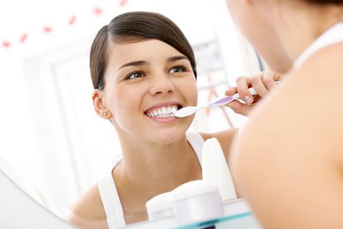 Воспаленные десны? Помогут зубные пасты с травяным экстрактом