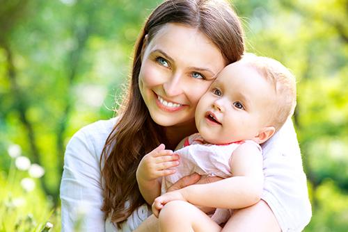 У курящих женщин повышается риск рождения детей с расщелиной неба