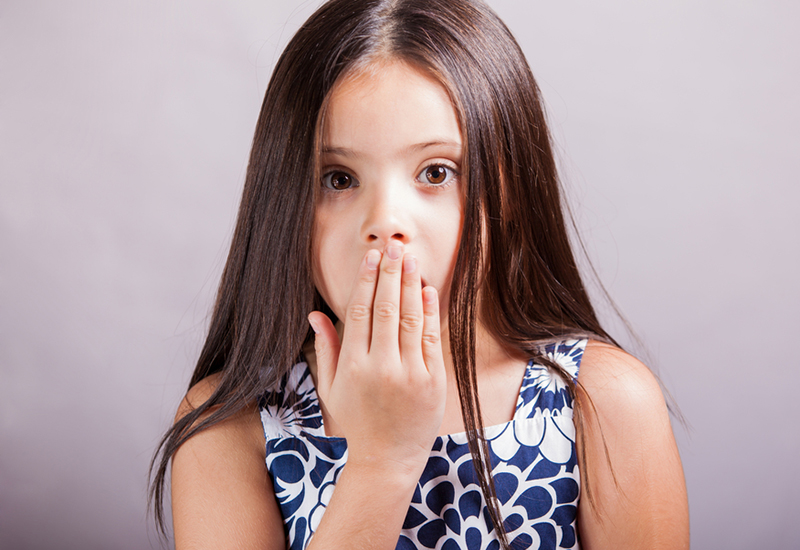 Почему у ребенка неприятно пахнет изо рта