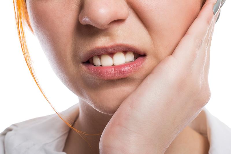 Почему болят здоровые с виду зубы