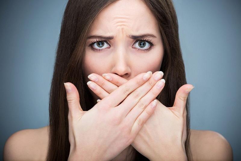 Неприятный запах изо рта - галитоз