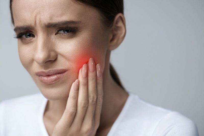 Что делать при чувствительности зубов: лечение и профилактика
