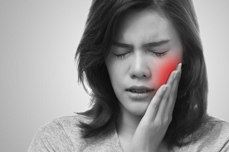Что делать если болит зуб мудрости