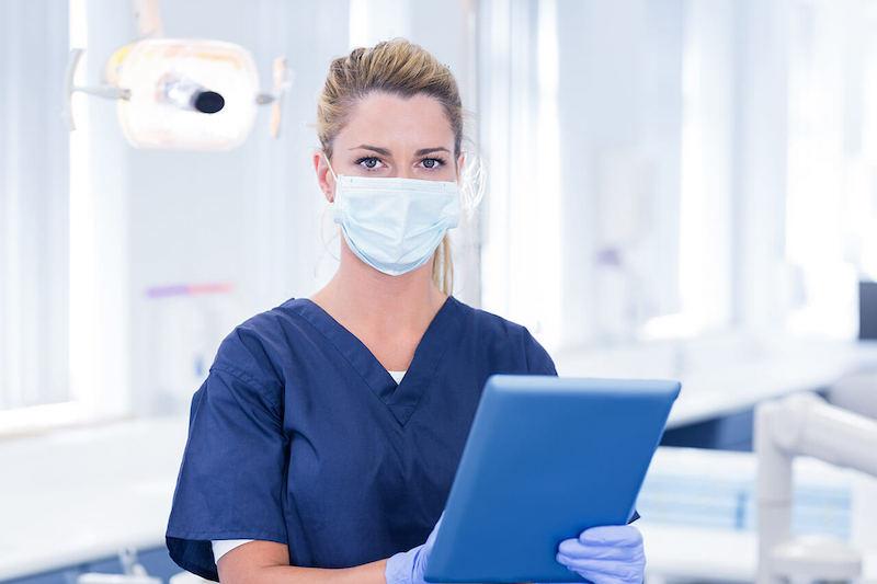 Как не заразиться коронавирусом при лечении зубов