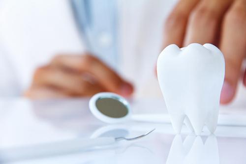 Зачем лечить молочные зубы?.